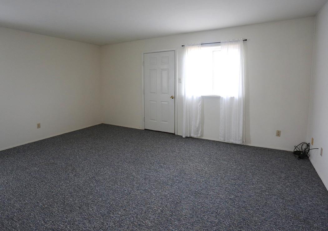 Living Room (2BR)
