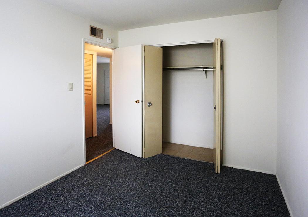 Bedroom (2BR)